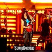 Konser Guns N Roses: AXL ROSE,SLASH dan DUFF MCKAGAN Hantam Jakarta