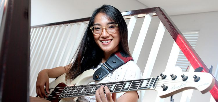 Interview Wanda Omar si Bassist Cantik