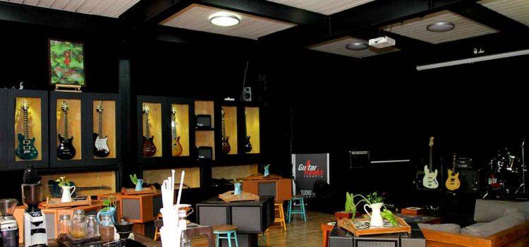 Guitar Freaks Jakarta: Rasakan Sensasi Studio Band dengan Konsep Live Stage!