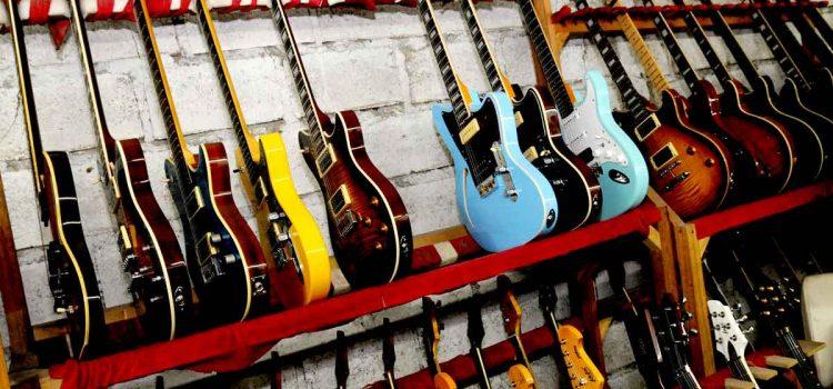 Radix Guitar : PD Pakai Gitar Lokal