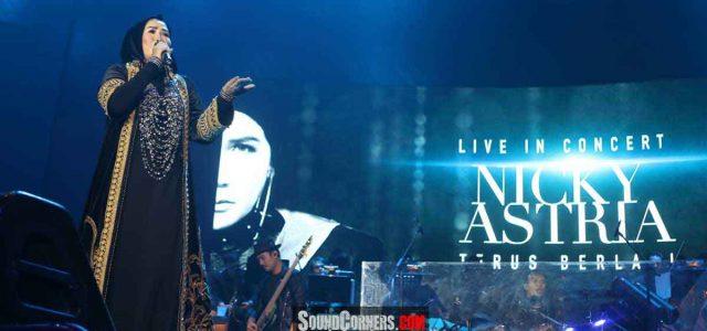 "Konser Nicky Astria ""Terus Berlari"": Alunan Suara Melengking Merdu Lady Rocker Indonesia"