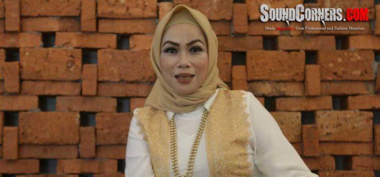 "Tia Veres Solo Karier Dengan Single Perdana ""Tetap Cinta"""